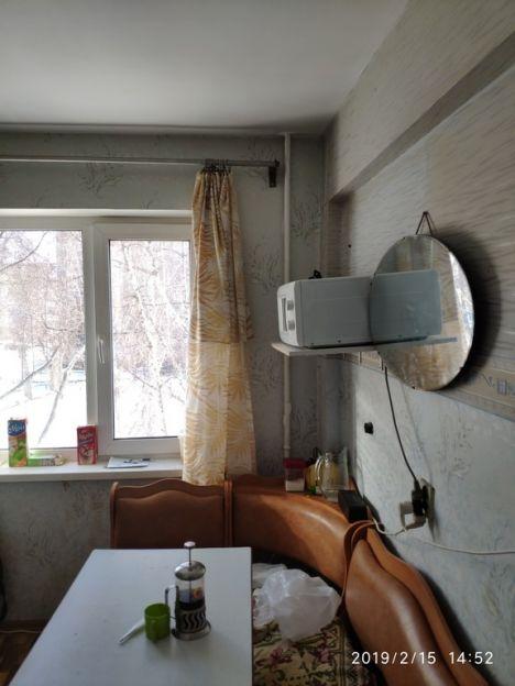 Продается трехкомнатная квартира за 2 150 000 рублей. Омск, Кировский район, Волгоградская, 2б.