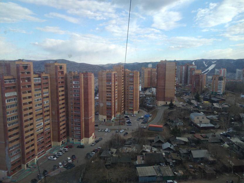 Продается однокомнатная квартира за 2 700 000 рублей. г Красноярск, ул Академика Киренского, д 32М.