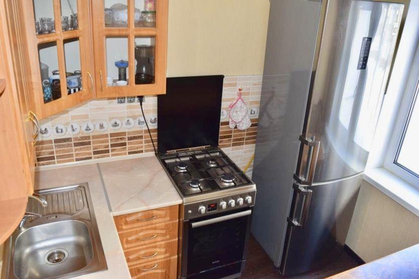 Продается трехкомнатная квартира за 2 620 000 рублей. Омск, Центральный район, Багратиона, 29б.