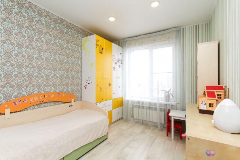 Продается трехкомнатная квартира за 6 600 000 рублей. г Новосибирск, ул Семьи Шамшиных, д 90/5.