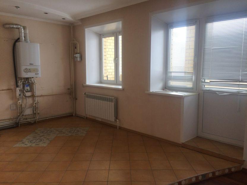 Продается трехкомнатная квартира за 5 000 000 рублей. Кострома, Михалевский бульвар, 3.