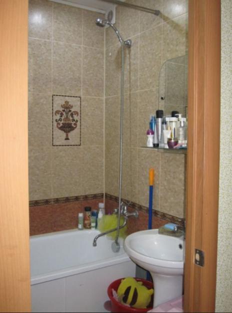 Продается двухкомнатная квартира за 3 200 000 рублей. г Красноярск, пр-кт 60 лет Образования СССР, д 19.
