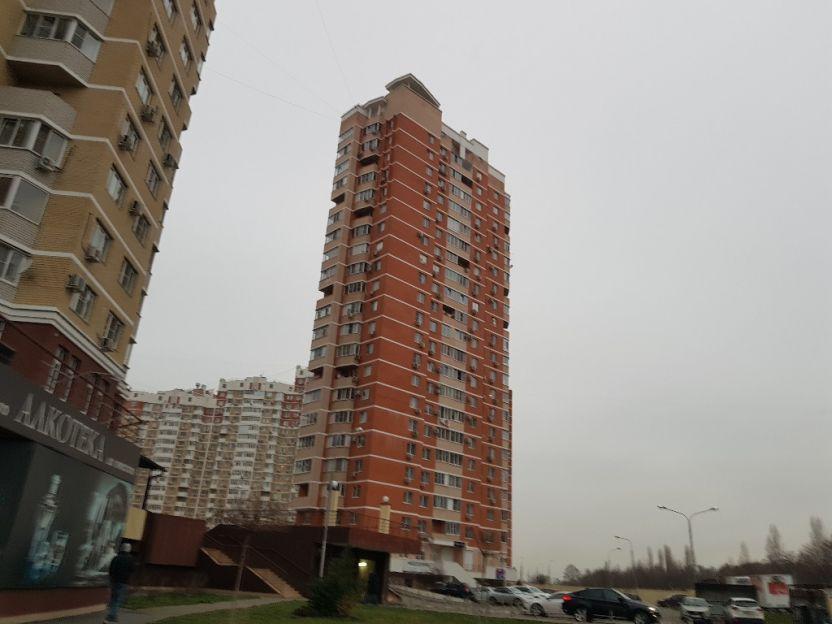 Продается однокомнатная квартира за 2 850 000 рублей. Краснодар, Западный, им Генерала И.Л. Шифрина, 1/1.