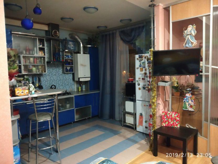 Продается трехкомнатная квартира за 4 000 000 рублей. Кострома, Симановского, 101.