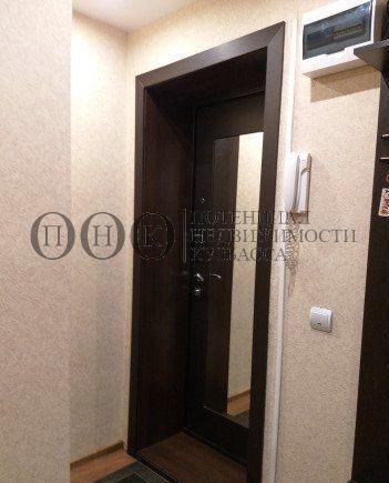 Продается трехкомнатная квартира за 3 050 000 рублей. Кемерово, Центральный район, Шорникова, 13.