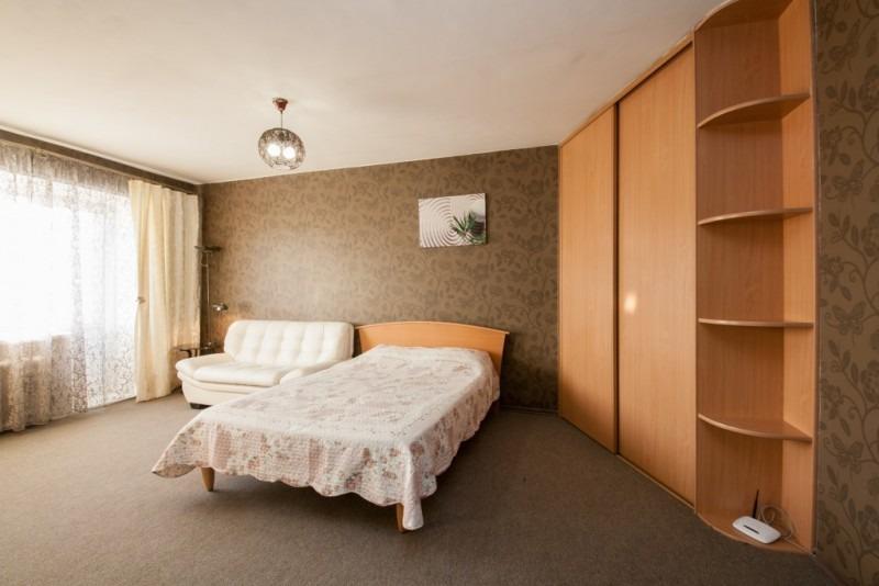 Продается однокомнатная квартира за 2 250 000 рублей. Красноярск, Центральный район, Карла Маркса, 90.
