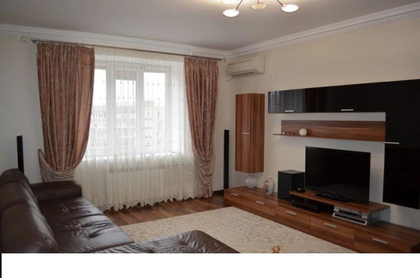 Продается двухкомнатная квартира за 5 000 000 рублей. Краснодар, Прикубанский, им 40-летия Победы, 144/4.
