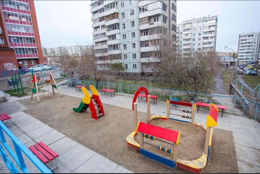 Продается двухкомнатная квартира за 3 180 000 рублей. г Красноярск, пр-кт 60 лет Образования СССР, д 19.