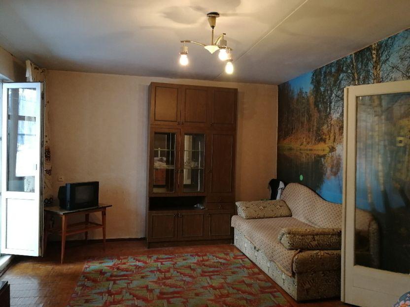 Продается однокомнатная квартира за 2 350 000 рублей. Екатеринбург, Ленинский район, Чкалова, 145.