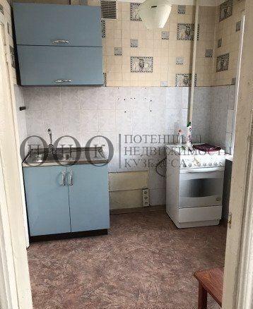 Продается трехкомнатная квартира за 2 470 000 рублей. Кемерово, Центральный район, Красноармейская, 118.