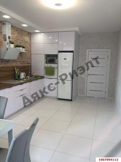 Продается двухкомнатная квартира за 6 700 000 рублей. Краснодар, Гаражная, 71/1.