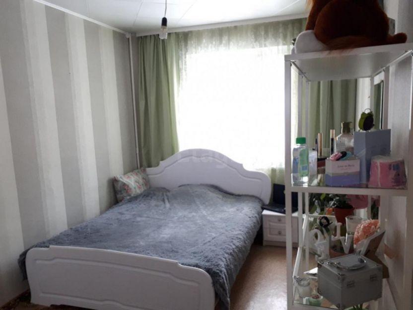 Продается трехкомнатная квартира за 3 000 000 рублей. г Барнаул, ул Энтузиастов, д 42.