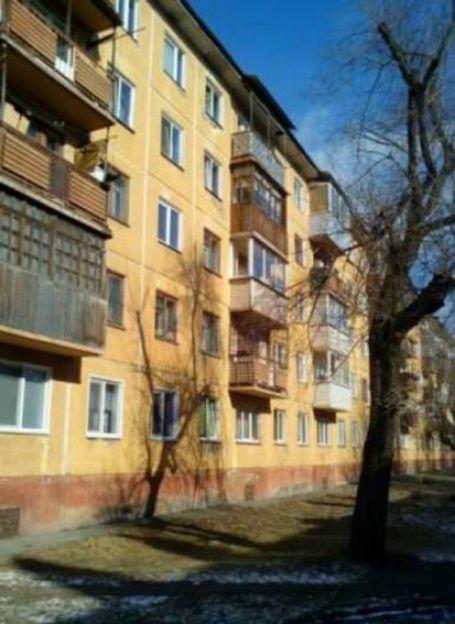 Продается двухкомнатная квартира за 1 850 000 рублей. г Красноярск, ул Анатолия Гладкова, д 1.