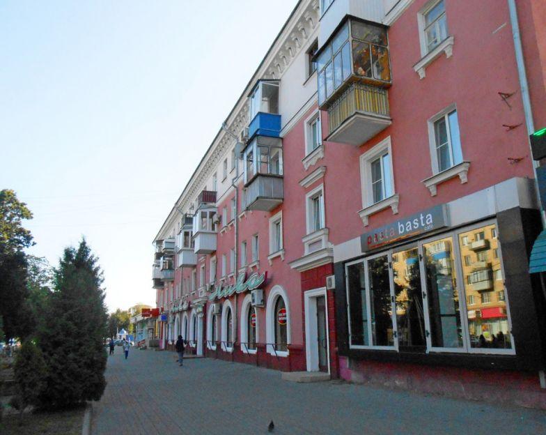 Продается двухкомнатная квартира за 2 800 000 рублей. Курск, Ленина, 66.