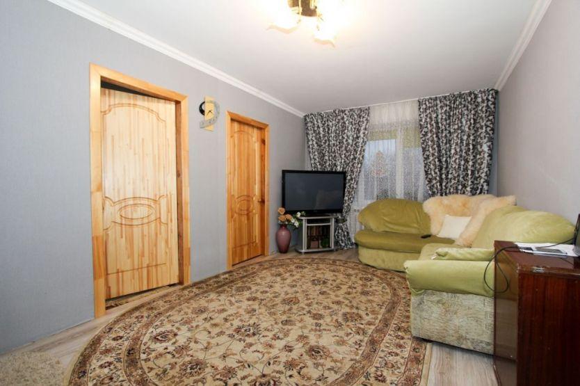 Продается четырехкомнатная квартира за 2 380 000 рублей. Калининградская область, Калининград,  район, Маршала Баграмяна, 20.