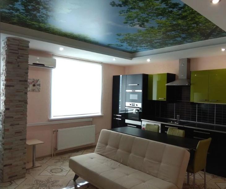 Продается двухкомнатная квартира за 3 050 000 рублей. Кемерово, Центральный район, Притомский проспект, 7/3.