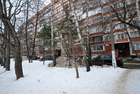 Продается двухкомнатная квартира за 6 000 000 рублей. Одинцово, Маршала Бирюзова, 2.