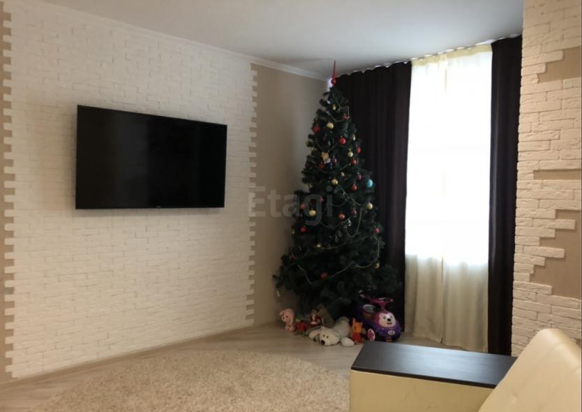 Продается двухкомнатная квартира за 3 050 000 рублей. Барнаул, Индустриальный район, Павловский тракт, 303.