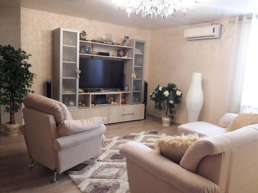 Продается трехкомнатная квартира за 5 350 000 рублей. Кострома, Экскаваторщиков, 26.
