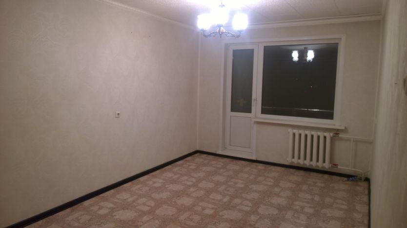 Продается двухкомнатная квартира за 2 350 000 рублей. г Красноярск, ул Шевченко, д 12.