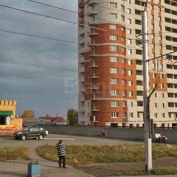 Продается трехкомнатная квартира за 3 500 000 рублей. г Барнаул, ул Малахова, д 93.