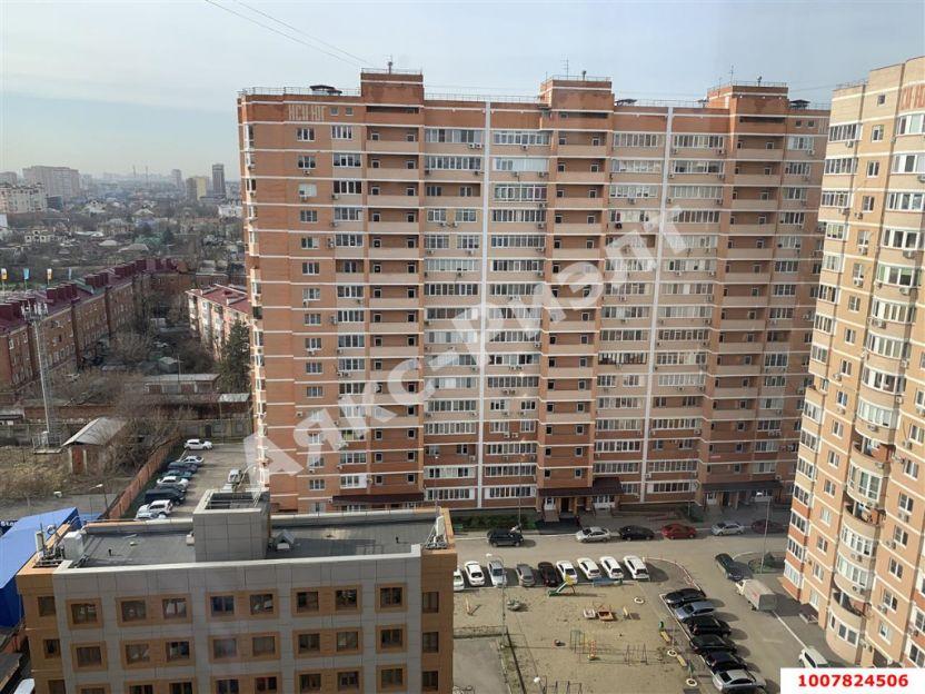 Продается двухкомнатная квартира за 6 700 000 рублей. Краснодар, Центральный, Зиповская, 5/3.