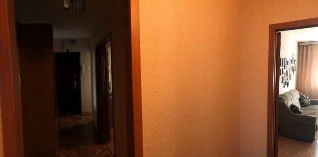 Продается четырехкомнатная квартира за 3 000 000 рублей. г Челябинск, ул Октябрьская (Смолино), д 11.