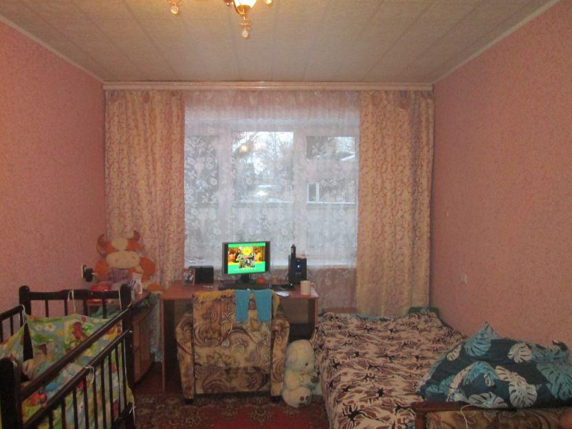 Продается однокомнатная квартира за 1 200 000 рублей. Курск, Народная, 7.