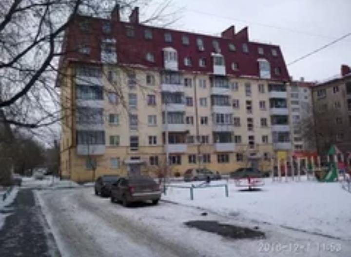Продается двухкомнатная квартира за 2 250 000 рублей. Челябинск, Ленинский район, Агалакова, 17.