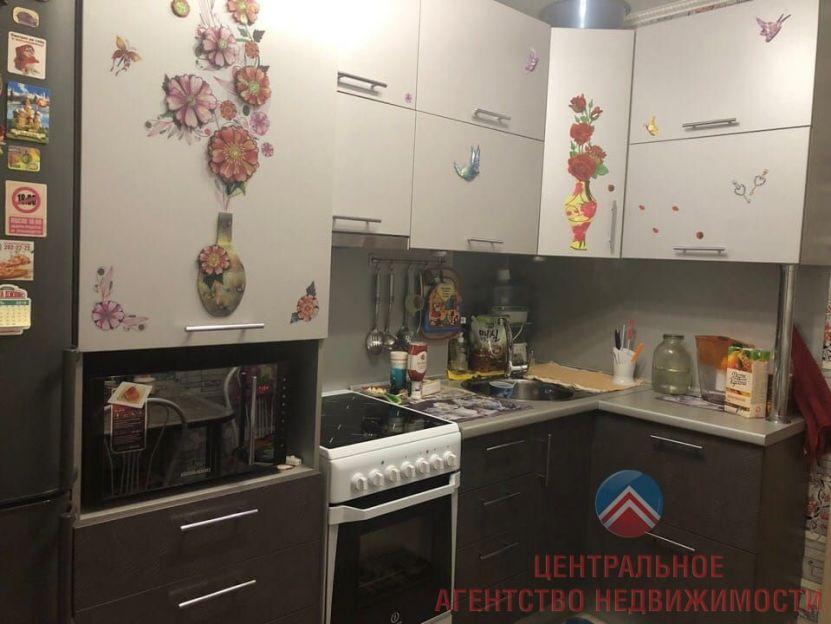 Продается двухкомнатная квартира за 3 100 000 рублей. Новосибирск, Октябрьский район, Толстого, 234.