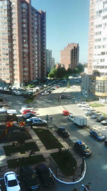 Продается двухкомнатная квартира за 6 500 000 рублей. Новосибирск, Заельцовский район, Галущака, 11.