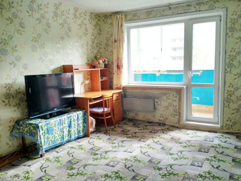 Продается двухкомнатная квартира за 3 300 000 рублей. г Екатеринбург, ул Черепанова, д 34.