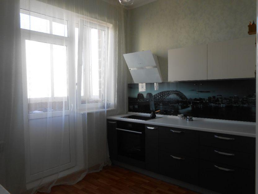 Продается однокомнатная квартира за 2 050 000 рублей. Курск, Вячеслава Клыкова проспект, 16.