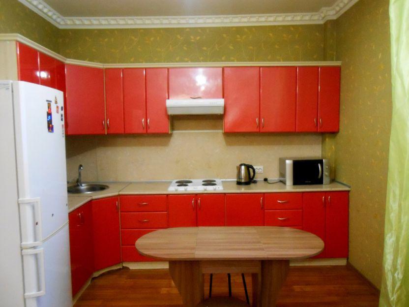 Продается трехкомнатная квартира за 5 500 000 рублей. Курск, Радищева, 20.