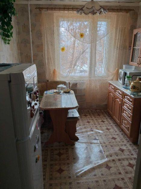 Продается трехкомнатная квартира за 3 350 000 рублей. Нижний Новгород, Автозаводский район, Политбойцов, 20.