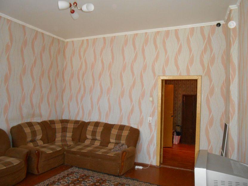 Продается однокомнатная квартира за 2 670 000 рублей. Курск, Ленина, 27.