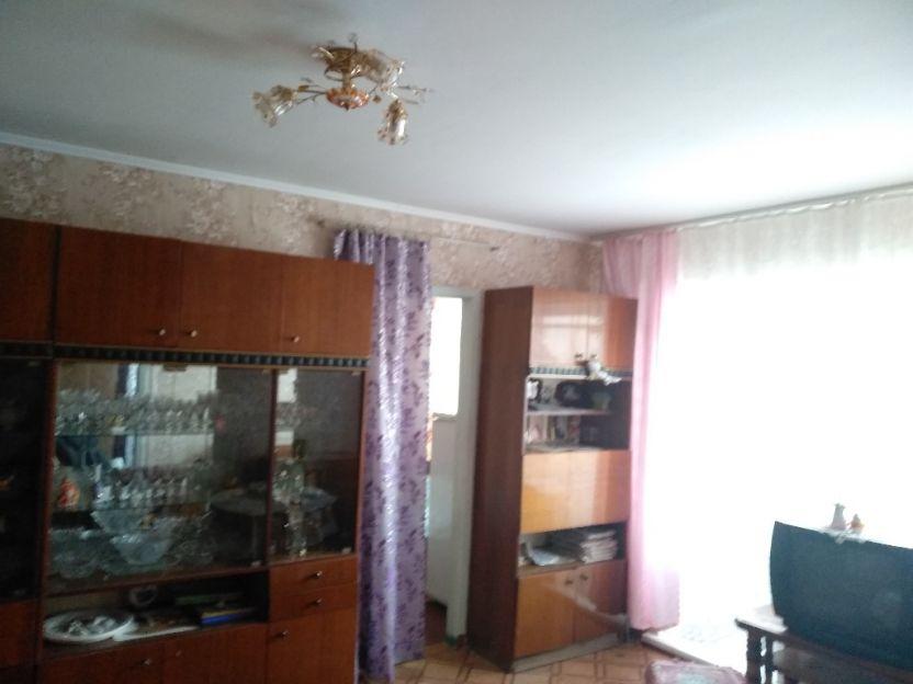 Продается двухкомнатная квартира за 2 150 000 рублей. Красноярск, Ленинский район, Чайковского, 13.
