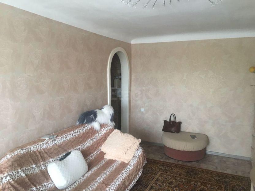 Продается двухкомнатная квартира за 2 050 000 рублей. Кемерово, Центральный район, Дзержинского, 13.
