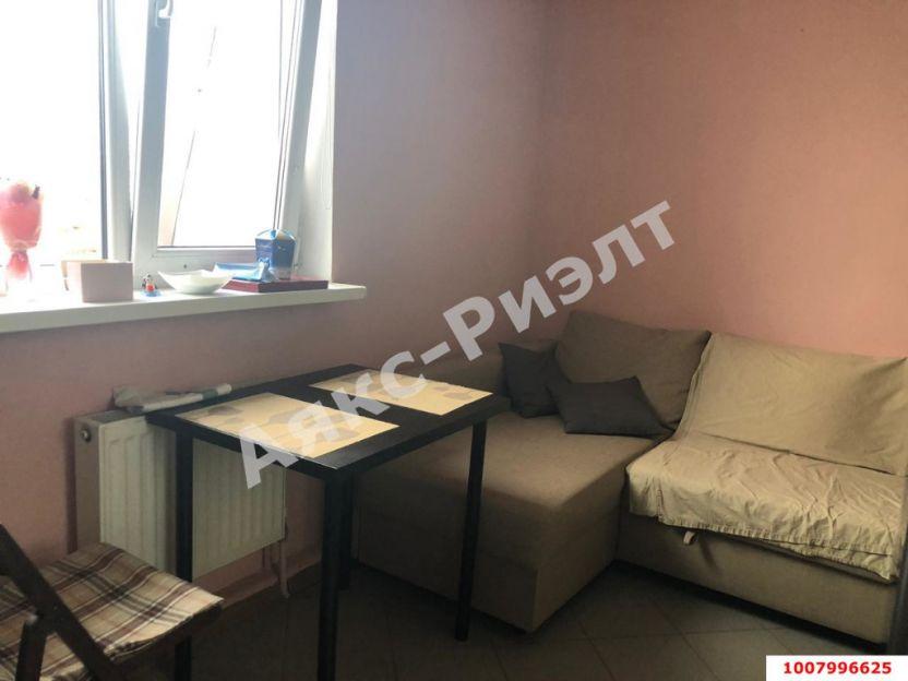 Продается однокомнатная квартира за 2 500 000 рублей. Краснодар, Центральный, им Леваневского, 67.