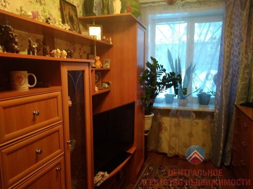 Продается двухкомнатная квартира за 2 550 000 рублей. Новосибирск, Дзержинский район, Промышленная, 5.