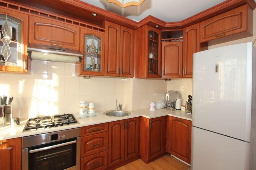 Продается четырехкомнатная квартира за 5 600 000 рублей. Калининград, Московский район, О.Кошевого, 86.