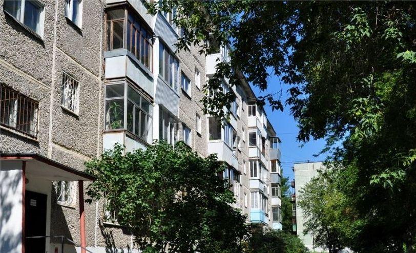 Продается однокомнатная квартира за 2 600 000 рублей. Екатеринбург, Орджоникидзевский район, Парниковая, 9.