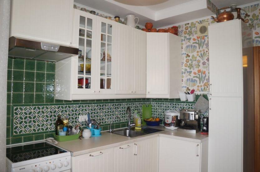 Продается трехкомнатная квартира за 5 950 000 рублей. Екатеринбург, Чкаловский район, Орденоносцев, 10.