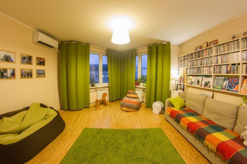 Продается двухкомнатная квартира за 4 300 000 рублей. Красноярск, Железнодорожный район, Северная, 10.