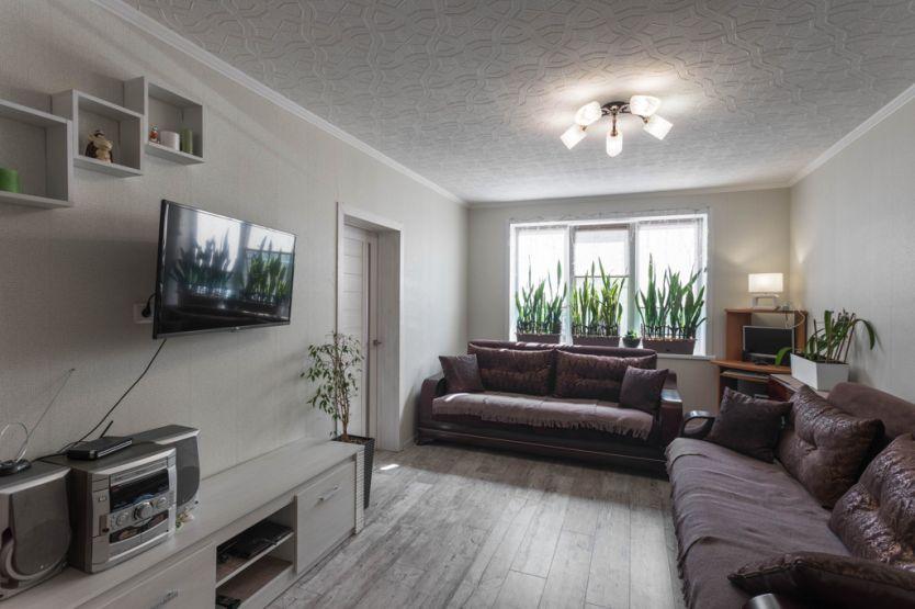 Продается трехкомнатная квартира за 1 890 000 рублей. г Архангельск, Московский пр-кт, д 19.