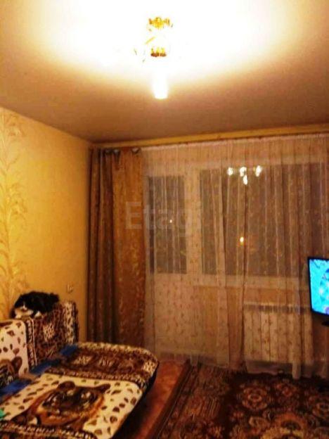 Продается однокомнатная квартира за 1 200 000 рублей. Кемерово, Рудничный район, Новогодняя, 12.