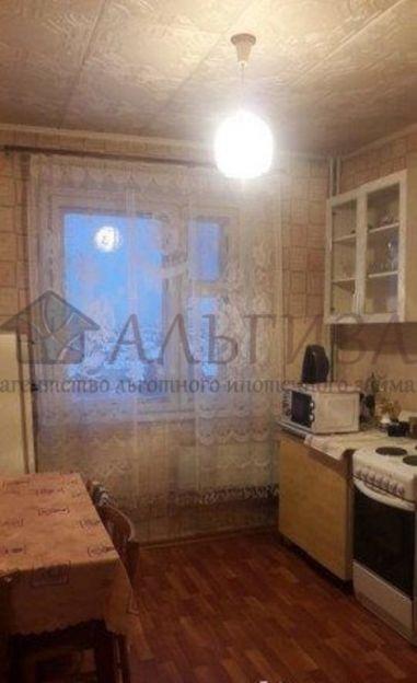 Продается двухкомнатная квартира за 2 350 000 рублей. Новосибирск, Ленинский район, Троллейная, 41.