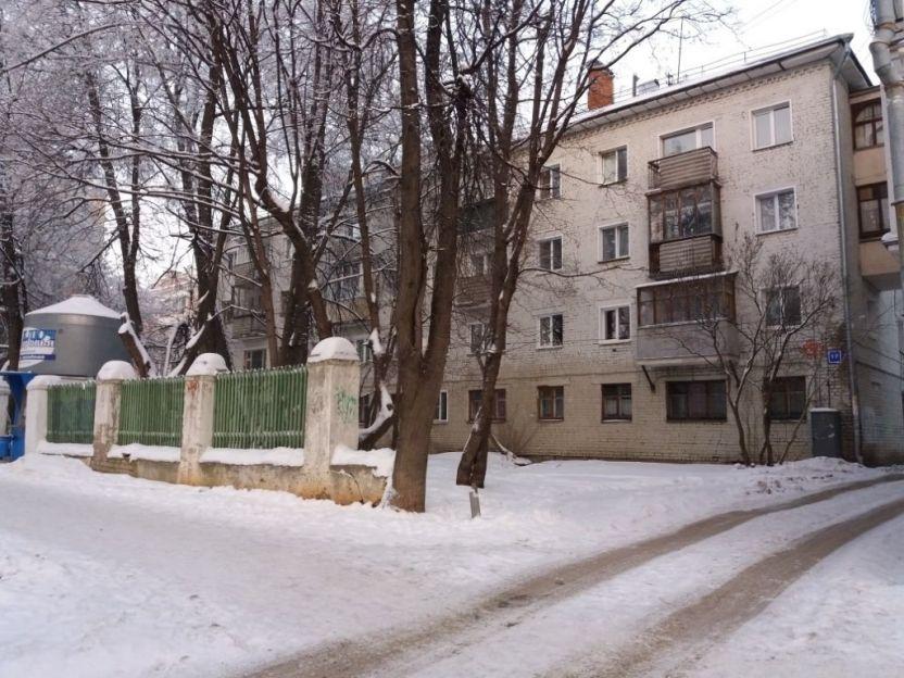Продается двухкомнатная квартира за 1 400 000 рублей. Киров, Первомайский район, Воровского, 17.