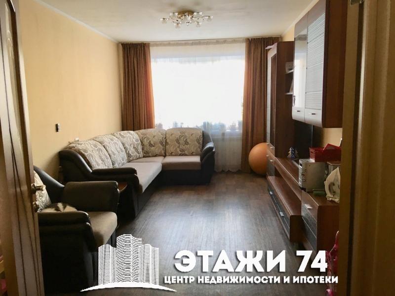 Продается двухкомнатная квартира за 2 400 000 рублей. Челябинск, Тракторозаводский район, Шуменская, 10.