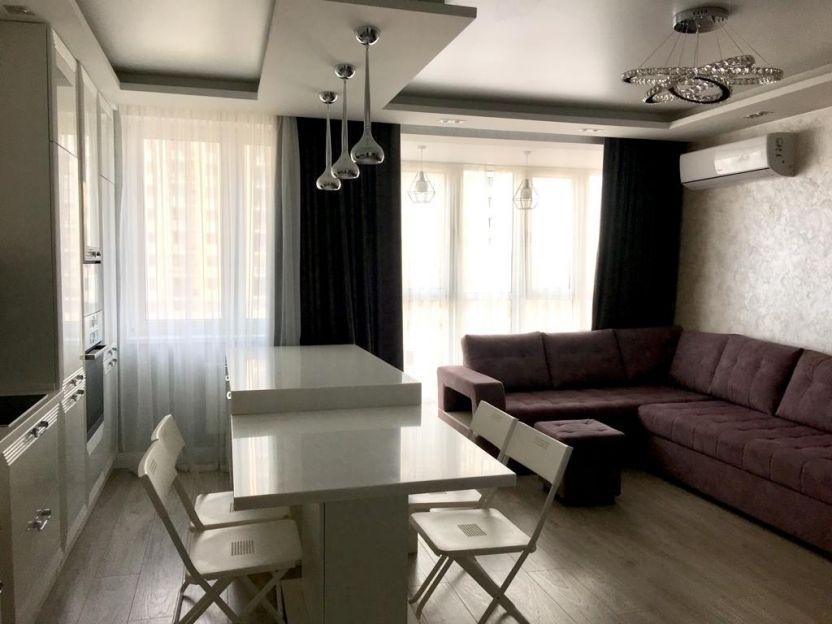 Продается трехкомнатная квартира за 8 700 000 рублей. Казань, Ново-Савиновский район, Алексея Козина, 3б.